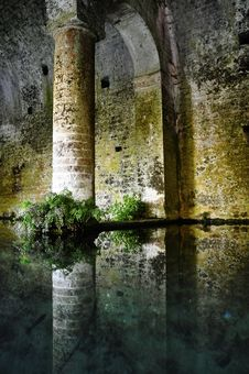 Free San Gimignano Medieval Fountain Royalty Free Stock Photo - 20638155
