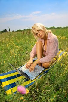 Free Woman With Laptop Stock Images - 20639734