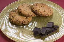 Free Chocolate  And Cookies On A Plate Royalty Free Stock Photography - 20643787