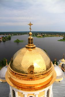 Free Golden Cupola Of Church Stock Photo - 20644310