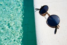 Free Black Round Sun Glasses On Pool Board Royalty Free Stock Photo - 20645935