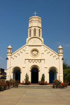 Free Pastel Yellow Church Against Blue Sky In Lao PDR. Stock Photography - 20648322