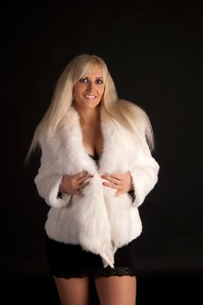 Free The Beautiful Blonde In A White Fur Coat Royalty Free Stock Images - 20649419