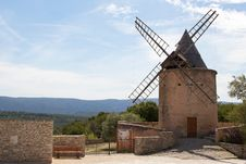 Free Windmill In Goult, France Stock Photo - 20651520
