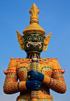 Free Native Thai Style Giant Statue Royalty Free Stock Photography - 20652647