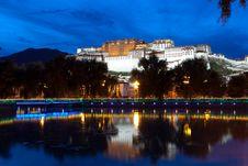 Free Night Scenes Of Potala Palace Royalty Free Stock Photos - 20652658