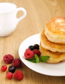 Free Pancakes With Berries Stock Images - 20653024