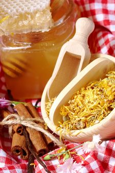 Jar Of Honey Royalty Free Stock Image