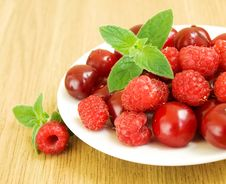 Free Summer Berries Stock Images - 20653084