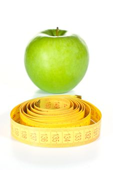 Free Tape Measure And Apple Royalty Free Stock Photo - 20655375