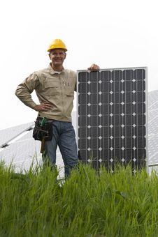 Free Installing Solar Panels Stock Photo - 20655860