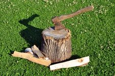 Free Firewood And Axe Stock Image - 20657191