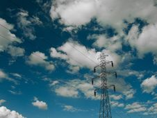 Free Electric Power Transmission Lines Royalty Free Stock Photography - 20660777