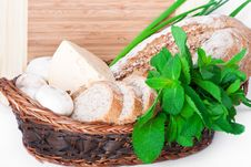 Free The Wooden Basket With A Bread Stock Photos - 20663923