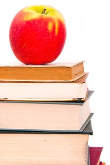 Free An Apple On A Book Pile Royalty Free Stock Photography - 20665647
