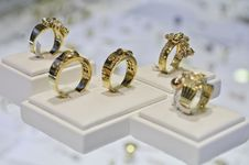 Free Five Golden Rings Royalty Free Stock Photo - 20666065