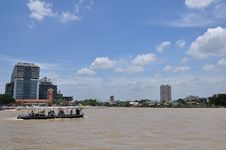 Free Building Riverside Chao Phya Royalty Free Stock Image - 20667166