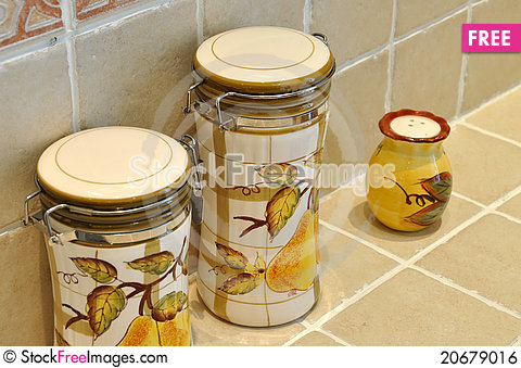 Free Bottle And Jar In Kitchen Royalty Free Stock Image - 20679016