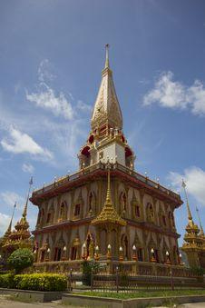 Free Buddhist Stupa In Wat Chalong Royalty Free Stock Photos - 20671468