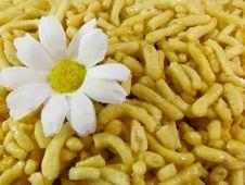 Free Chak Chak, Traditional Tatar Dessert And Flower Royalty Free Stock Photo - 20676325
