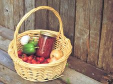 Free Basket Of Fresh Vegetables And Sauce. Royalty Free Stock Images - 20689329