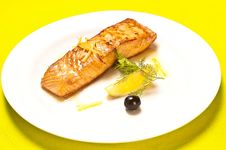Free Grilled Salmon Royalty Free Stock Photos - 20690158