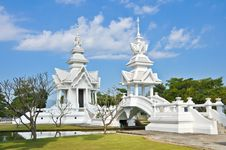 Free Famous White Church In Wat Rong Khun Royalty Free Stock Image - 20694166