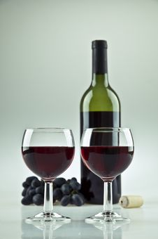Free Two Glasses Of Wine Stock Images - 20695764