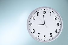Free Round White Clock Royalty Free Stock Images - 20695949