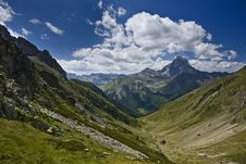 Free Valley And Midi D Ossau Royalty Free Stock Images - 20697519