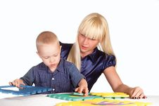 Free Mom And Son Playing Royalty Free Stock Photos - 20699348