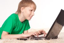 Free Boy With Laptop Royalty Free Stock Photos - 20699358