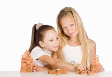 Free Sisters Play Portrait Royalty Free Stock Images - 20699549