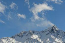 Free Snowy Peak 1 Royalty Free Stock Image - 2070136