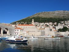 Free Dubrovnik Harbour Royalty Free Stock Image - 2072056