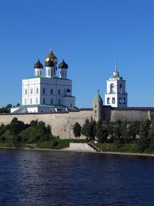 Free Trinity Cathedral And Bell-tower In Pskov Kremlin. Stock Photos - 2073793