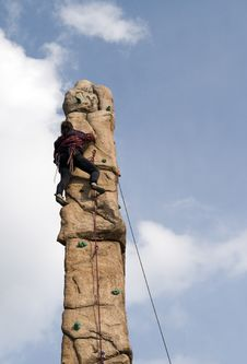 Free Man Climb Wall Royalty Free Stock Images - 2078639