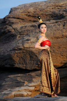 Free Women In Thai Suit Royalty Free Stock Photo - 20701115