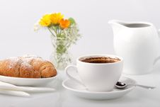 Free Coffee And Croissants Royalty Free Stock Photos - 20702338