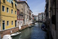 Free Buildings On A Canal In Venice Royalty Free Stock Photos - 20709158