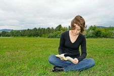 Free Reading On The Meadow Royalty Free Stock Photo - 20712105