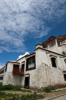Free Potala Palace And Cloudscape Stock Photography - 20712952