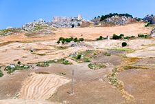Free Deserted Village And Worked Grounds In Sicily Royalty Free Stock Photography - 20713647