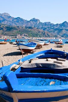 Free Boats On Beach In Summer Day, Sicily Stock Photo - 20713650