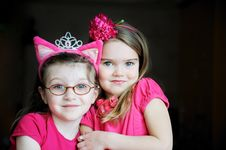 Free Portrait Of Two Pinky Child Girls Royalty Free Stock Images - 20715869