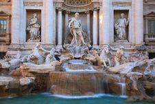 Free Trevi Fountain Royalty Free Stock Images - 20719399
