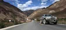 Free Car On The Road To Tibet Stock Image - 20725581