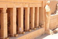 Free Hatshepsut Temple Royalty Free Stock Photography - 20726167