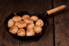 Free Roasted Potatoes Royalty Free Stock Images - 20726919
