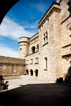 Free Barroux Castle Royalty Free Stock Photo - 20727255